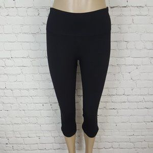 Lululemon Black in the flow yoga crops 6